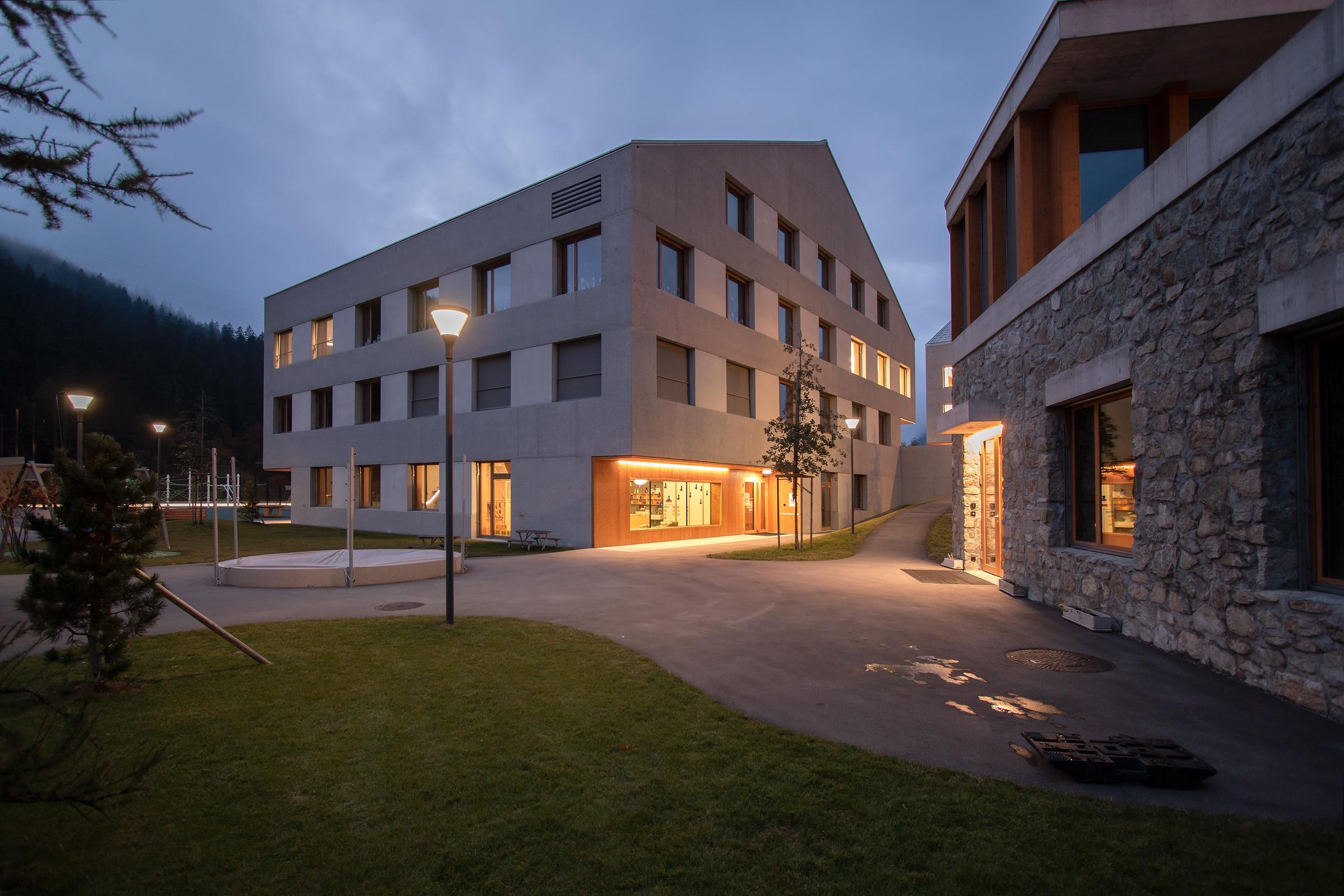 Eingang Schulhaus